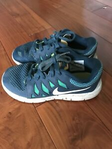 Nike boys running shoes