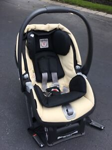 Peg Perego Primo Viaggio Sip Car Seat and Base
