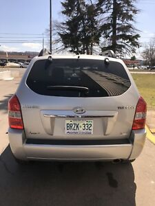 2009 Hyundai Tucson **Mint Condition -  Extended Warranty