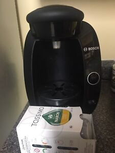 Tassimo with 8 coffee pods