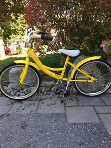 Girls Norco bike $25