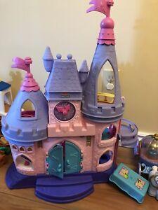 Little People Disney Princess Castle & carriages
