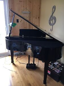 Roland HP 109 Digital Grand Piano