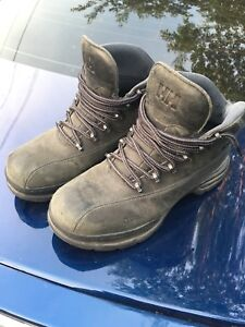 Helly Hanson Shoes/Boots! Great Condition! Size 8.5