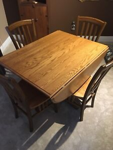 Oak Dining Table with 4 matching chairs