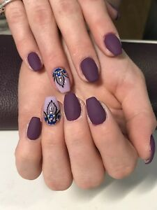 Artificial Nails / Gel Nails