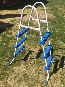 Above ground pool ladder $15