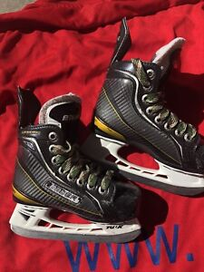 Bauer ONE100 youth skates - size 10