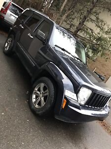 2008 JEEP LIBERTY TRAIL RATED 150KM E-TESTED GREAT CONDITION
