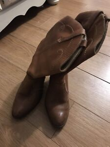 Size 7 cowgirl boots