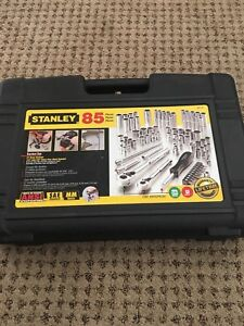 BRAND NEW 85 PIECES STAINLET SOCKET SET