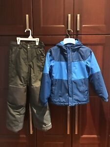 Boys Columbia winter jacket and snow pants size S (7-8)