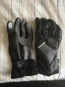Motorcycle gloves (brand new)