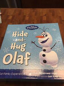 Hide and Hug Olaf set