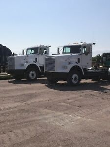 Freightliner day cab heavy hauls!!  PRE EMISSION/LOW LOW KM