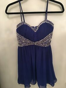 Great Last Minute Graduation Dress! Size 1 (fits more like a 3)