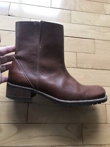 Perfect condition L.L Bean brown leather boots.