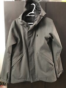 Woman's DC Winter coat - Medium