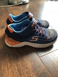 Boys runners size 13