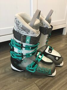 Atomic Waymaker Carbon 90 W Women's Ski Boots - 24.5 - like new!