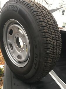 Brand new set of wheels and tires off a 2018 F250