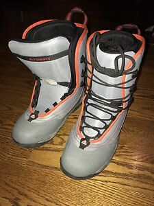 Snowboard boots - Firefly Europe size 41 or USA size 8