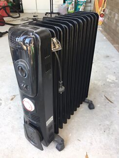 Large Black Kambrook Oil Heater