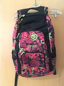 NWOT Dakine Women's 26L Jewel Laptop Backpack Floral Escent