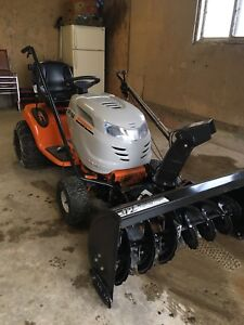Lawn tractor with snow blower