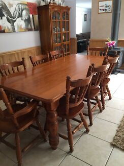 Large 9 pce Dinning table set