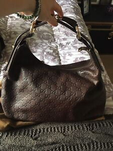 Perfect Xmas gift -  Mint Authentic Gucci Satchel