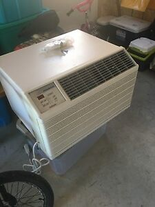 Air climatisé Friedrich 13500 btu