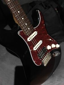 American Fender Special Strat ( reduced to sell)