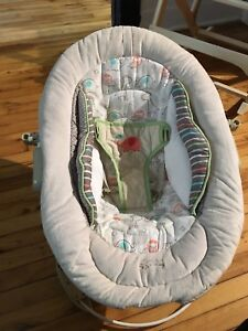 Chaise de bebe/ baby chair.