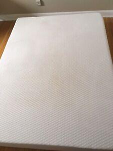 Queen size memory foam mattress