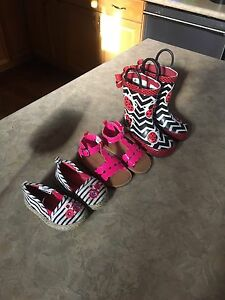 Girls shoes size 5/6
