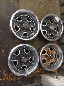 15 x 7 cutlass Oldsmobile delta rallye rims set of 4 w/ rings