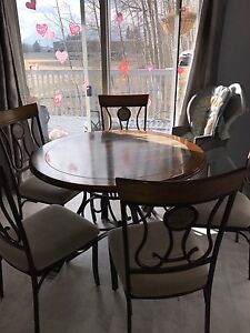 Table & 5 chairs for sale