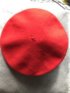 Fashionable red Beret (100% wool from France)