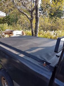 Tonneau cover for 6 and a half foot box