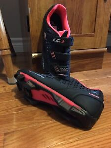 Brand New Clip On Bike Shoes