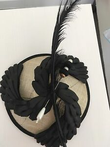 Gorgeous  Fascinator Wellington Point Redland Area Preview