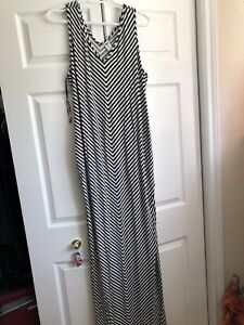 Maternity maxi dress size xL