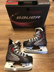 Bauer Vapor X40 Youth Hockey Skates Size 9.0