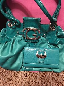 Guess purse and wallet excellent condition