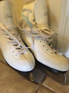 Ladies figure skates
