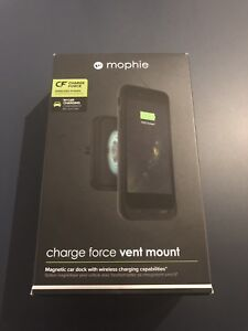 Mophie Car Vent Mount with Wireless Charging