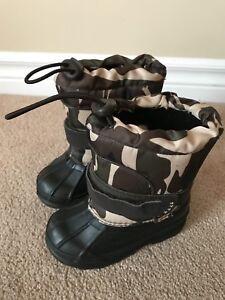 Waterproof children's winter boots size 6