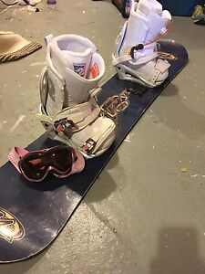 Woman's snowboard, bindings and boots