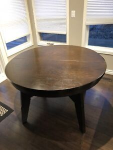 Solid Round Oak Table with Insert